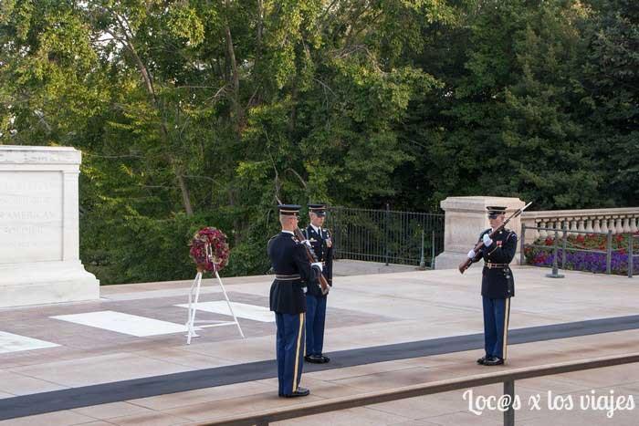 Cambio de guardia en el Cementerio Nacional de Arlington
