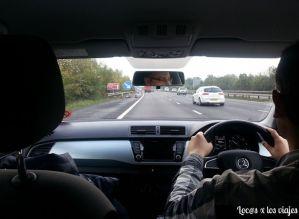 Conduciendo por la izquierda