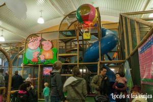 Parque de bolas interior en Peppa Pig World