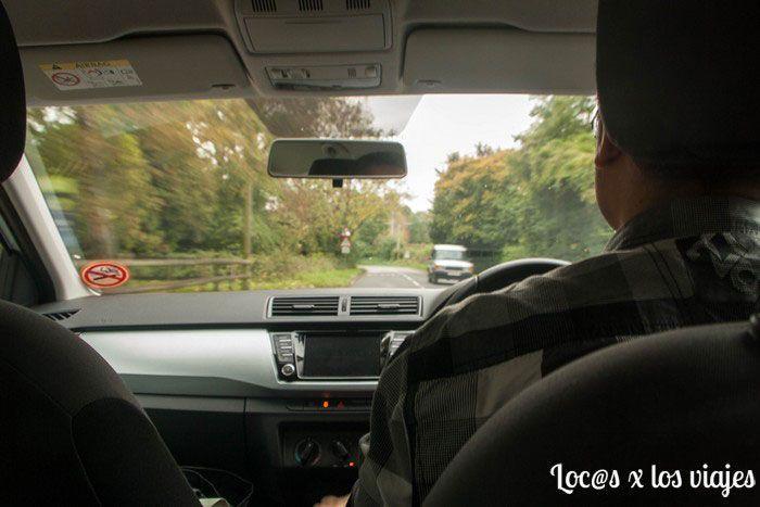 Conduciendo el coche de Sixt por la izquierda