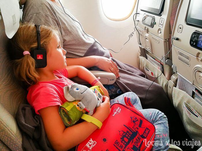 En avión con niños: volando con Emirates