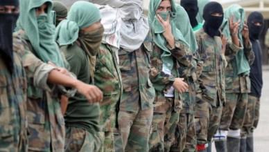 Colombiaanse paramilitairen, de geheime illegale groepen die het vuile werk van de machthebbers uitvoeren.