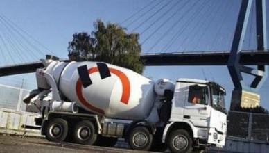 Arbeiders betonbedrijf Holcim staken tegen oneerlijke concurrentie door eigen directie