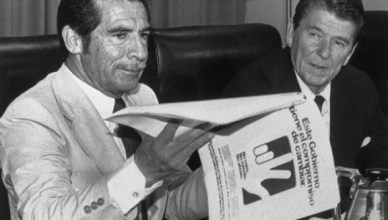 Dictator Rios Montt in betere tijden op visite bij Amerikaans president Ronald Reagan