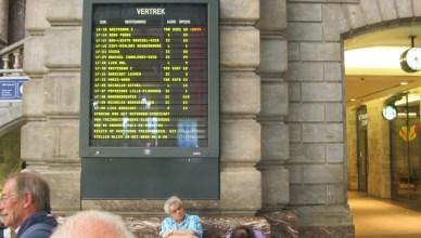 Uurrooster in de grote hall van Antwerpen-Centraal