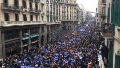 Barcelona massaal solidair met vluchtelingen