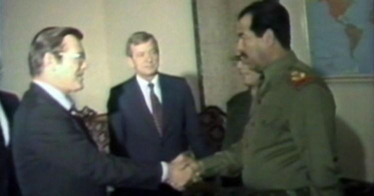 Donald Rumsfeld, speciaal gezant van president Reagan, ontmoette Iraaks president Saddam Hoessein