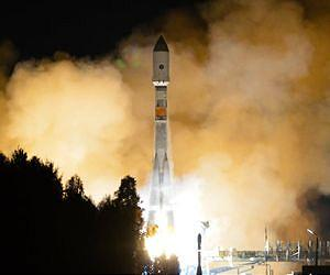 soyuz-2-1b-rocket-launch-night-lg.jpg