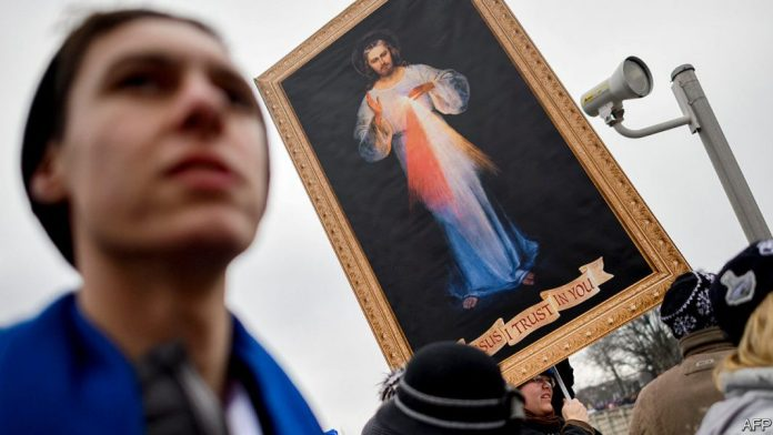 [NEWS #Alert] The Trump era has exposed divisions among Catholics and evangelicals! – #Loganspace AI
