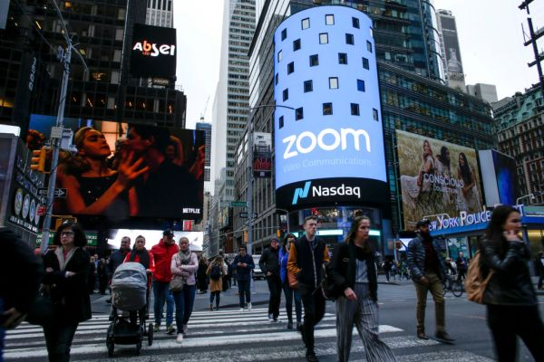[NEWS] A vulnerability in Zoom's Mac client could allow websites to turn on cameras without permission – Loganspace