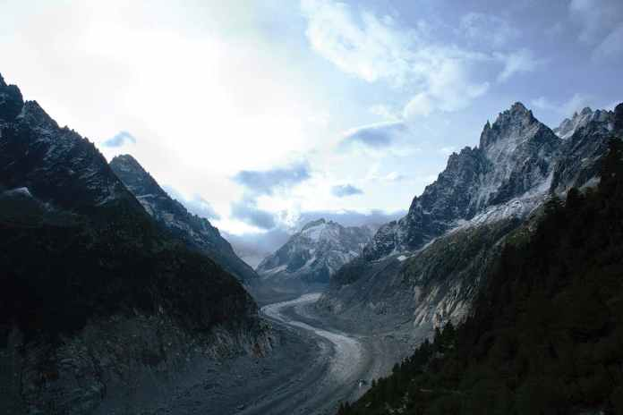 [Science] Special report: How climate change is melting France's largest glacier – AI