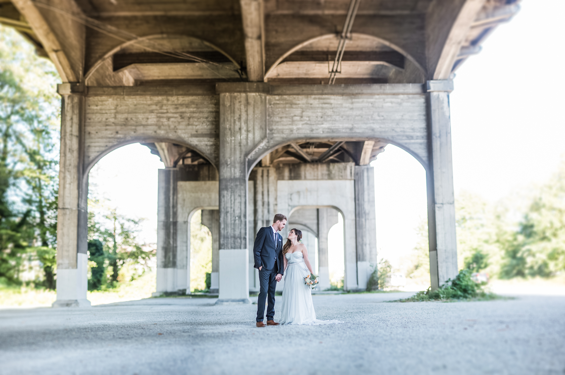 vancouver-wedding-photographer-bridge_001