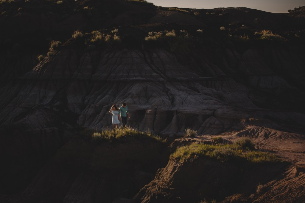 drumheller-engagement-mountain