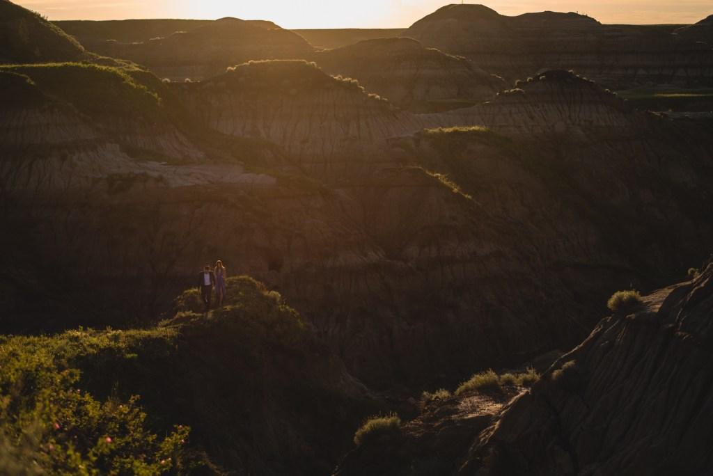 drumheller-engagement-scenic-sunset