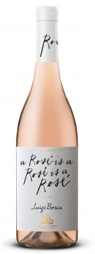 Luigi Bosca Rosé: es un corte de Pinot Noir y Pinot Gris que le plantea al universo del vino una declaración diferente. De carácter expresivo y frutal, es un ejemplar innovador que expresa elegancia y vivacidad