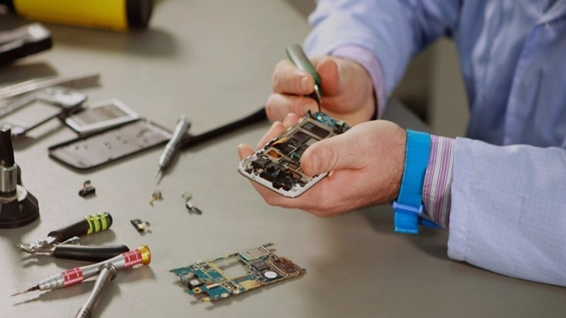 How To Start A Cell Phone Repair Business (The Beginners Guide)