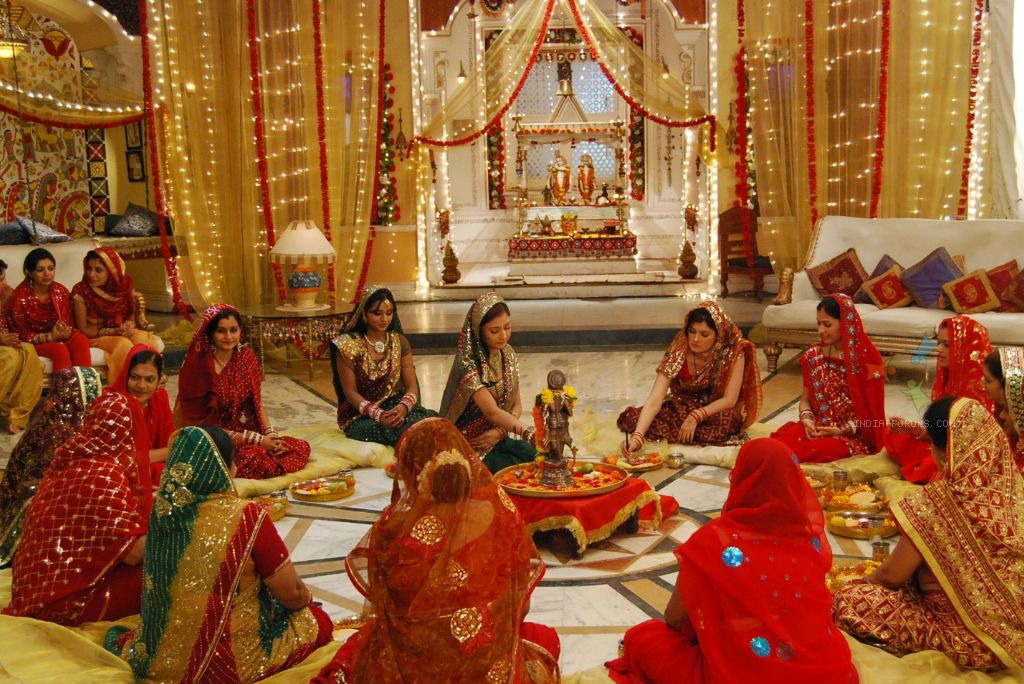Logical Explanation Behind The Hindu Ritual Of Karva Chauth Things To Know!!