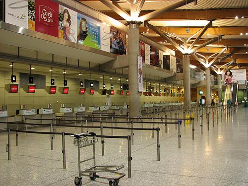 aeroporto vazio - caos aéreo Europeu