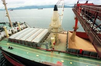 caos no porto devido à exportação de grãos