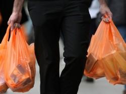 reduzindo o uso de sacolas plásticas