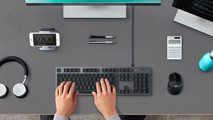 K840 Mechanical Keyboard in use