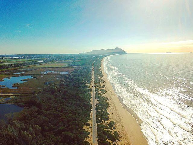 Bright light day on the beach #djimavic #drone #sea #beach #igtravel #instalife #sabaudia #circeo #italy