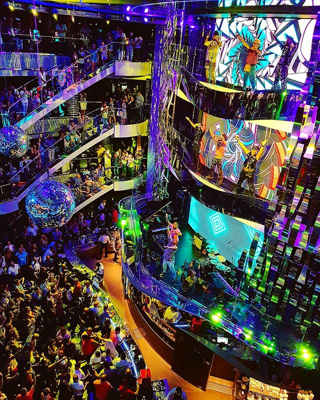 MSC Seaview party time! #msccruises #disco #cruising #cruise #crew #sailing #travel #traveling #traveler #instatravel #instago #instagood #trip #photooftheday #instapassport #instatraveling #mytravelgram #travelgram #travelingram #igtravel #instalife #travelblog #sea #travelstoke