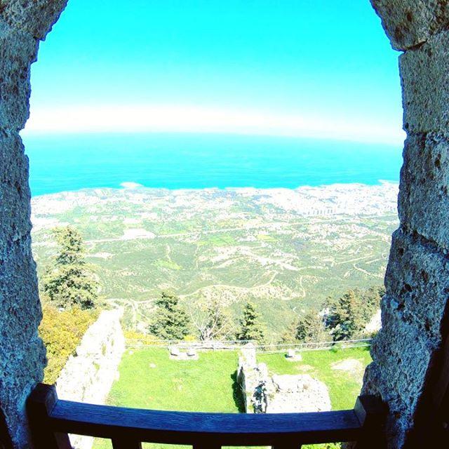 The best panorama of Cyprus, the Saint Hilarion Castle #sainthilarioncastle #window #sea #blue #bluesky #gopro ••• #travel #travelling #traveler #instatravel #instago #wanderlust #trip #photooftheday #lifeofadventure #instapassport #instatraveling #mytravelgram #travelgram #travelingram #igtravel #instalife #ig_worldphoto #traveling #travelblog #instago #travelstoke