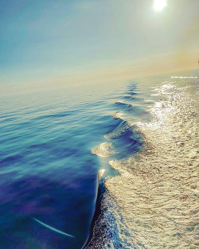 Sliding away your bad mood on gold blue pure morning •••#medsea #sailor #mediterraneansea #sunshine#cruising #cruise #crew #sailing #travel #traveling #traveler #instatravel #instapassport #instatraveling #travelgram #travelingram #igtravel #travelblog #sea #travelstoke