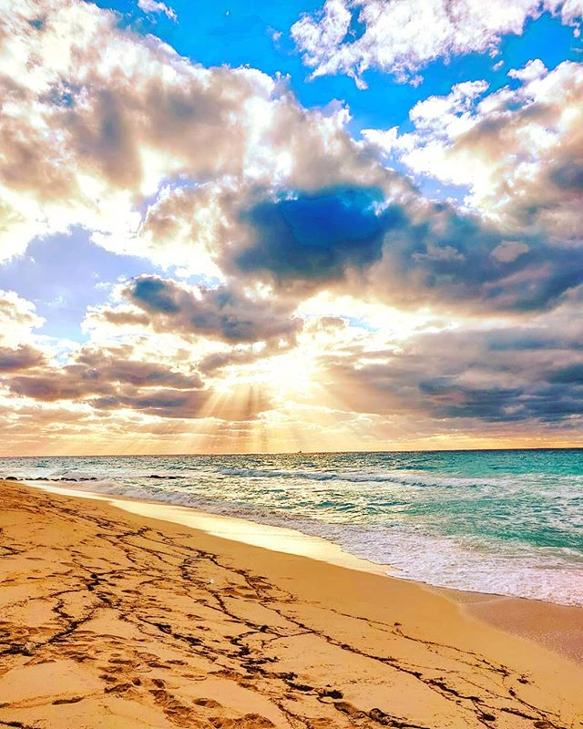 Living in your dream 🤙 #bimini #bahamas #tbt #travelbug #clouds #travelgram #traveling #travellife #travel #cloudstagram #traveller #traveltheworld #travelstoke #traveler #travelmore #travelphotography #bimini #beach #travelholic #travelblogger #travelingram #beachy #travels #travelling #instaclouds #beachlife #travelers #travelpic #traveldiary #cloudscape