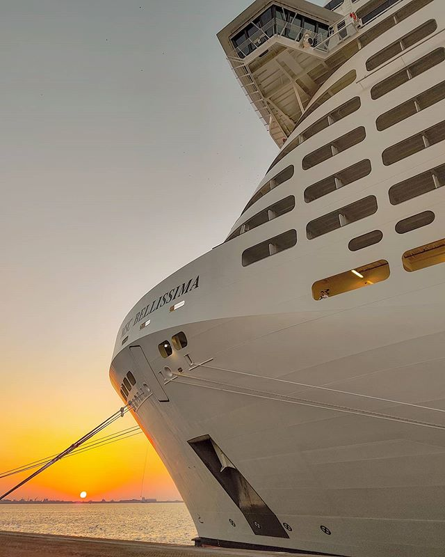 Sunset in Dubai port 🤙 #mscbellissima #msccrociere #lifeatsea #msccruises #traveling #travel #travelphoto #cruise #travellife #traveldeeper #traveler #travelgram #crewlife #sunset_pics #travelawesome #travelphotography #travelingram #crew #cruiseship #sunset #sailing #travelstoke #prilaga #travelpics #travelholic #travelers #traveller #traveladdict