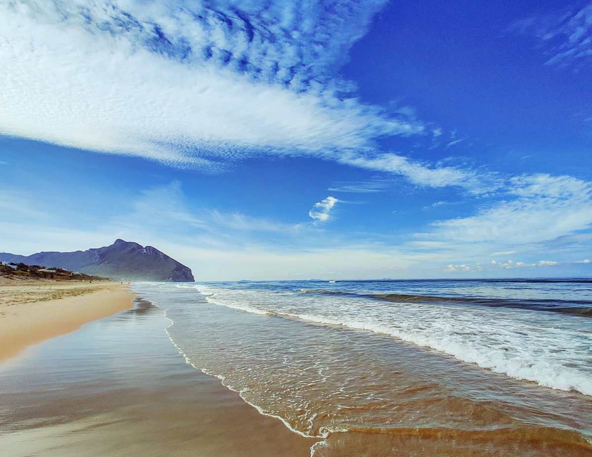 Morning beach walk 🤙#sabaudia #sky #circeo #travels #traveling #sea #travellife #travelgram #blue #travelphotography #seaside #reflection #travelstoke #travelingram #travelphoto #traveler #clouds #traveladdict #travel #beachlife #beach #travelblog #traveller #travelholic #sand #spiaggia #water