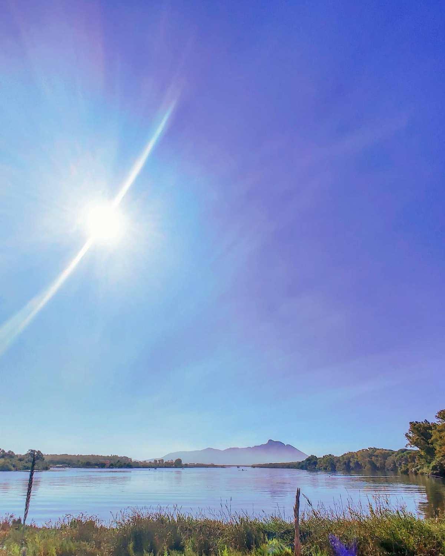 Blue mood 🏞️🤙#sabaudia #lagodipaola #lago #natura #parconazionaledelcirceo #traveller #travel #blue #nature #naturephotography #travelphoto #travellife #travelgram #lake #traveladdict #traveling #travelphotography #travelstoke #sunny #travelawesome #travels #reflection #travelholic #traveler #sun