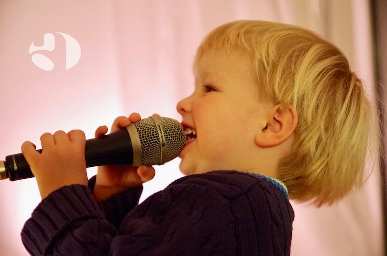 logopädische Stimmtherapie bei Kindern mit Schreiknötchen/Stimmlippenknötchen