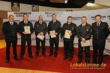 Zum Brandinspektor wurden Christoph Kerper und Markus Pflüger von der LG Rahmedetal befördert. Jens Koch, Franco Lars Cali (LG Knerling) und Ralf Bohnert (LG Dahle) wurden zum Brandoberinspektor befördert.