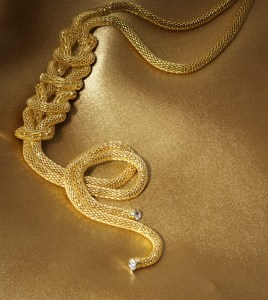 Colier Golden 29,00 lei