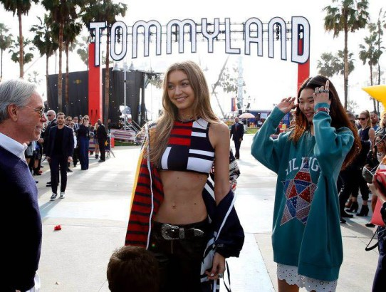 TOMMYNOW - Tommy Hilfiger democratizează industria fashion