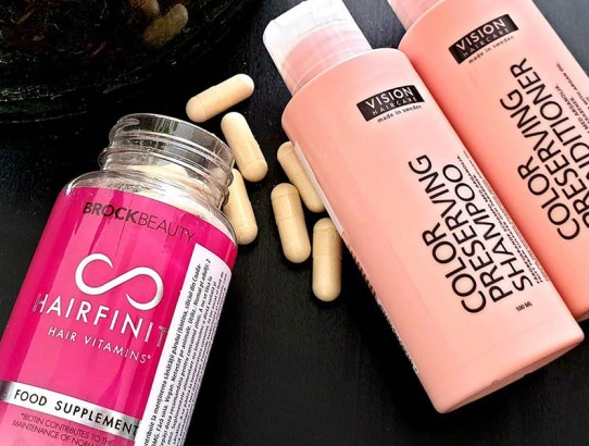 #triedandtested: vitaminele de păr Hairfinity