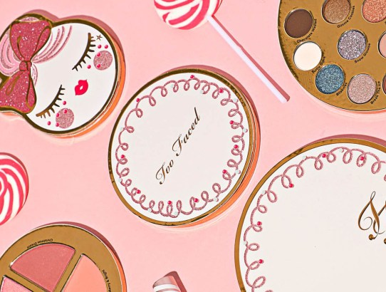 Crăciun cu Gingerbread la Too Faced