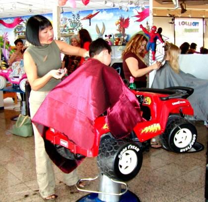 Children's hair salon serving Los Angeles, Tarzana, Encino, Woodland Hills, Sherman Oaks, Beverly Hills, Brentwood, Studio City, and Calabasas, CA