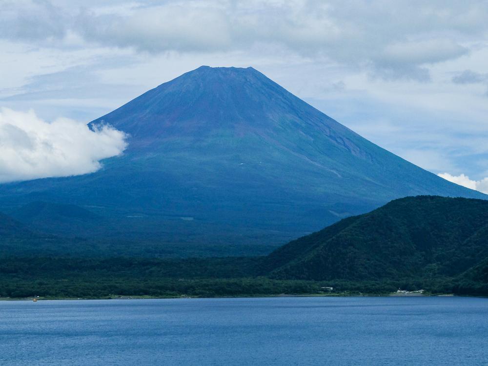 Vue sur le Mont Fuji du Lac Sai