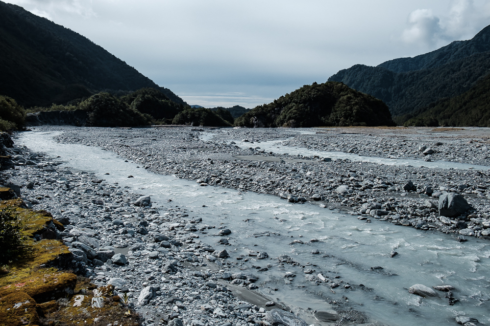 Rivière le long du sentier Sentinel Rock
