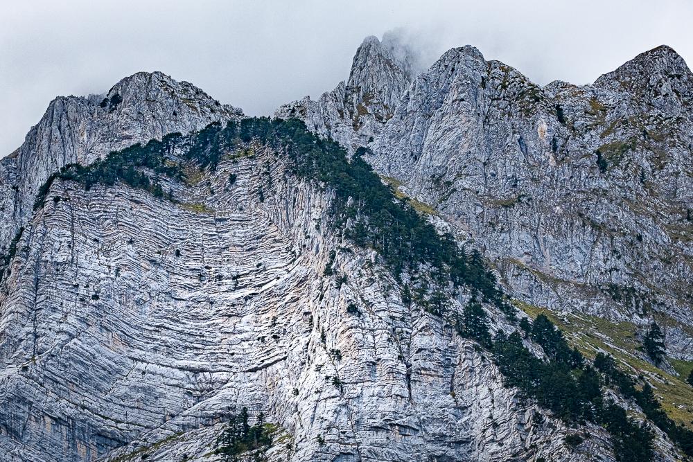 Les reliefs tourmentés du massif