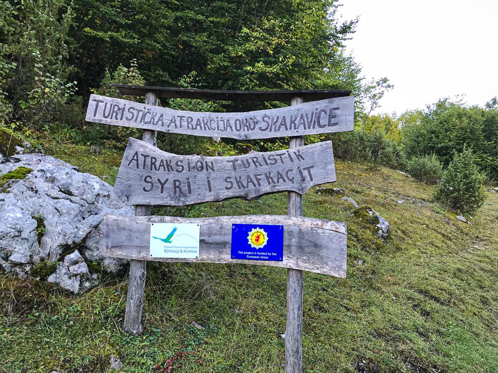 Porte d'entrée pour le Lac Cemerikino