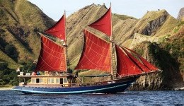 Komodo Trip By Sailing Wooden Boat 4 Days 3 Nights