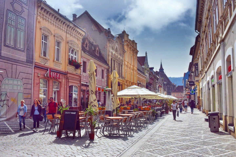 Top Things to do in Brasov Romania, 2 days in Brasov Romania, Strada Republicii