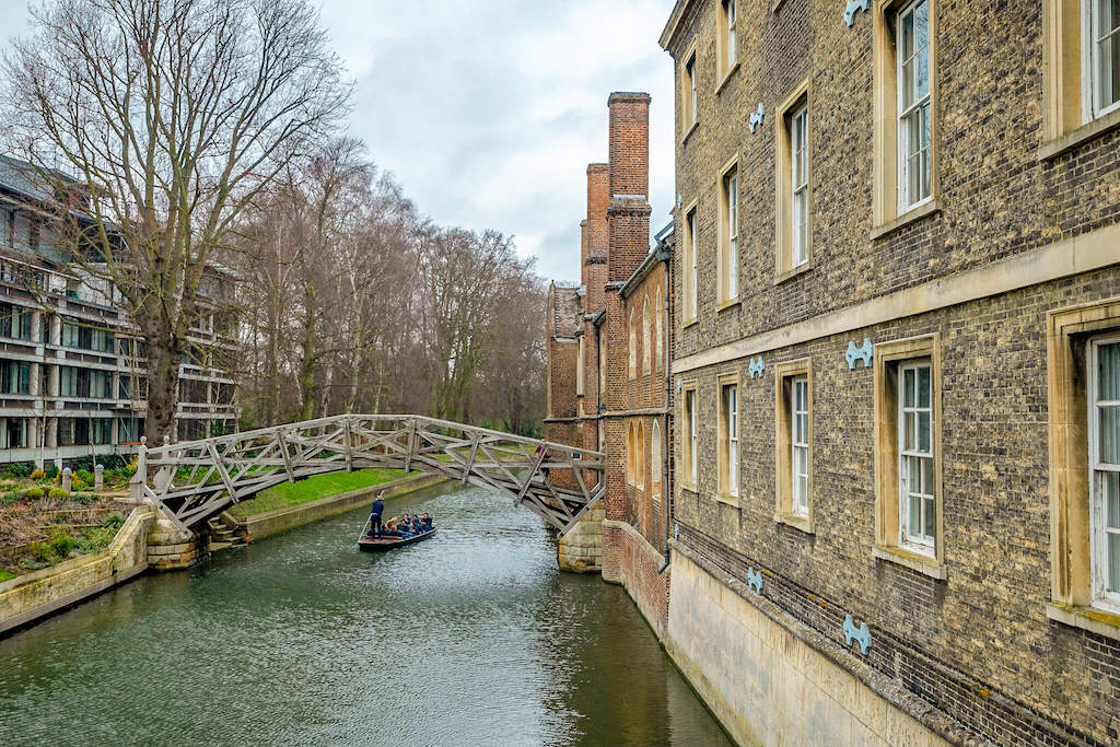Weekend city breaks in the UK, punt going down the river in Cambridge