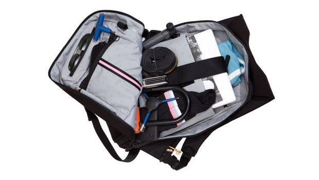rapha-backpack-inside-view