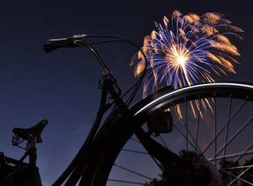 bike-fireworks