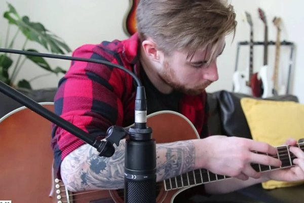 How to get better at improvising guitar